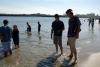 02 samen met Jan Lohman gaan we naar het strand van Santa Cruz SAM_7563