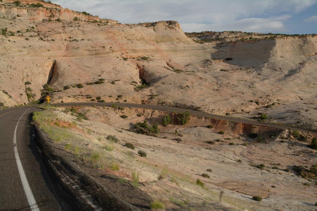 01 vanuit Bryce Canyon al vroeg op weg naar naar Salt Lake City route 12 via Escalante - prachtige route SAM_7137