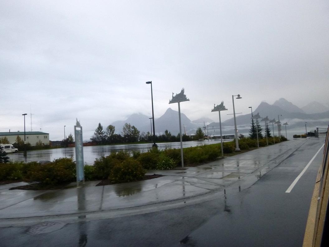 19 binnenkomst in havengebied van Valdez - Alaska P1030438