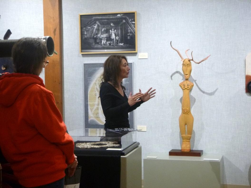 23 opening en presentatie van expositie Decolonizing Alaska in Valdez Museum & Historical Archive P1030452