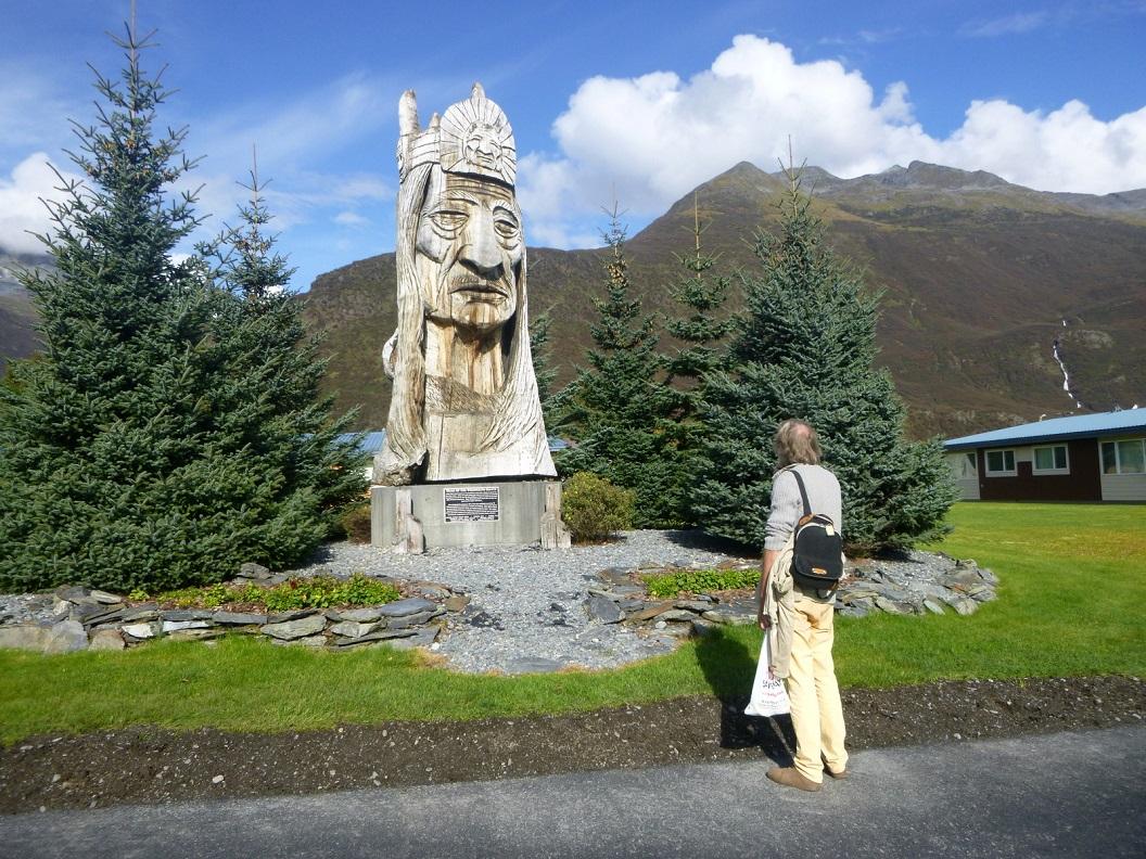 40 Whispering Giant - cadeau aan de gemeenschap van Valdez - Alaska P1030542
