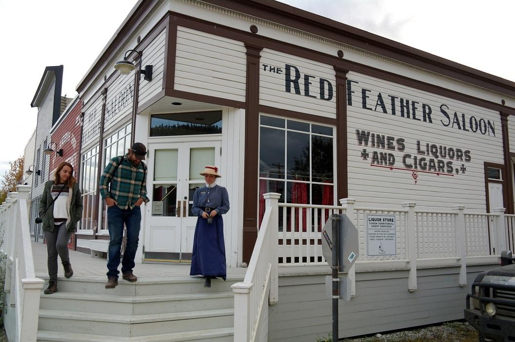 10 The Red Feather Saloon, door de jaren heen een veel bezochte plaats SAM_0897