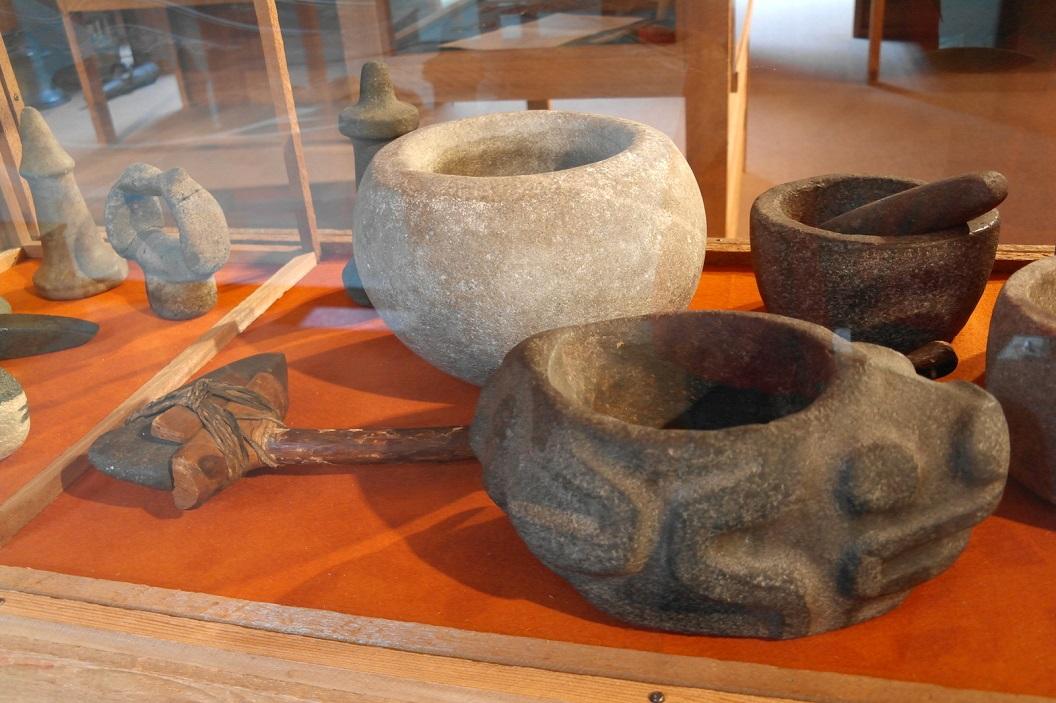 04 gebruiksvoorwerpen van de eerste volken aan de noordwestkust SAM_0254