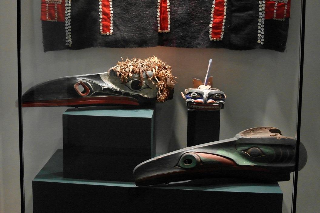 13 ceremoniële kleding - maskers van de eerste volken aan de noordwestkust SAM_0322
