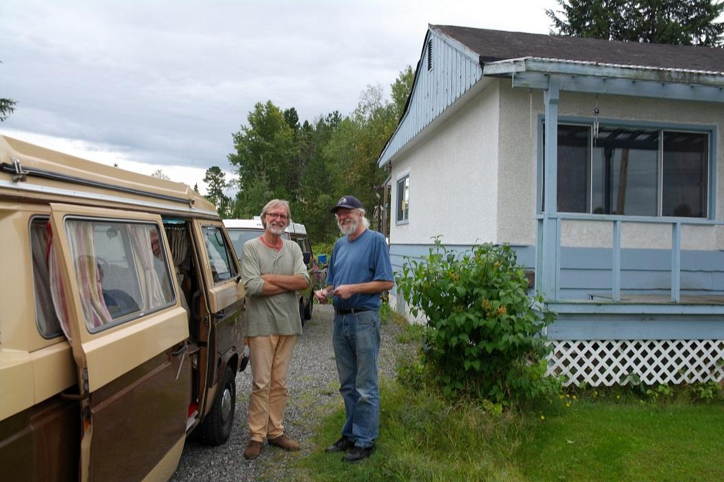 22 leuke ontmoeting met Peter, een VW bus enthousiasteling in Terrase SAM_0398