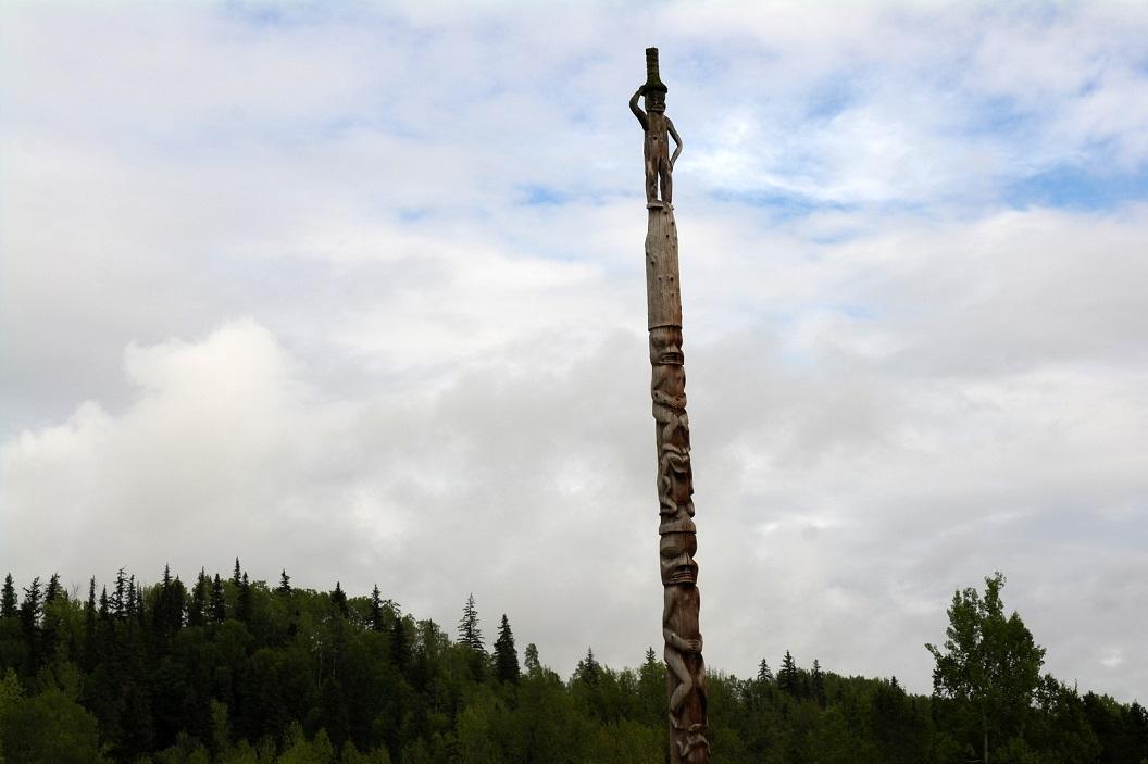 11 bezoek en wandeling door het historische plaatsje Gitanyow - Kitwangoo - Land of the Totems - British Columbia CA SAM_0412