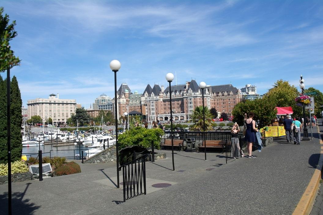 31 zicht op de binnen haven voor de gebouwen van het British Columbia Parlement SAM_9162