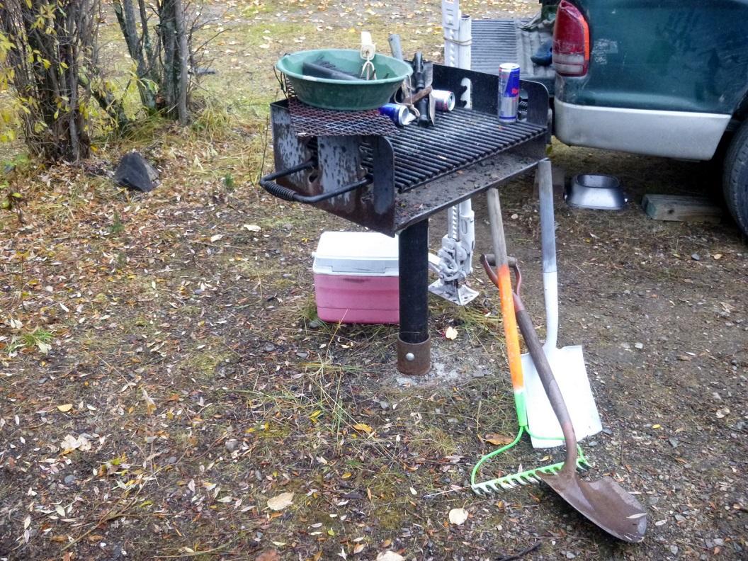 05 gereedschap van de goudzoeker - in de rivieren van de omgeving van Walker Fork Campground P1020945