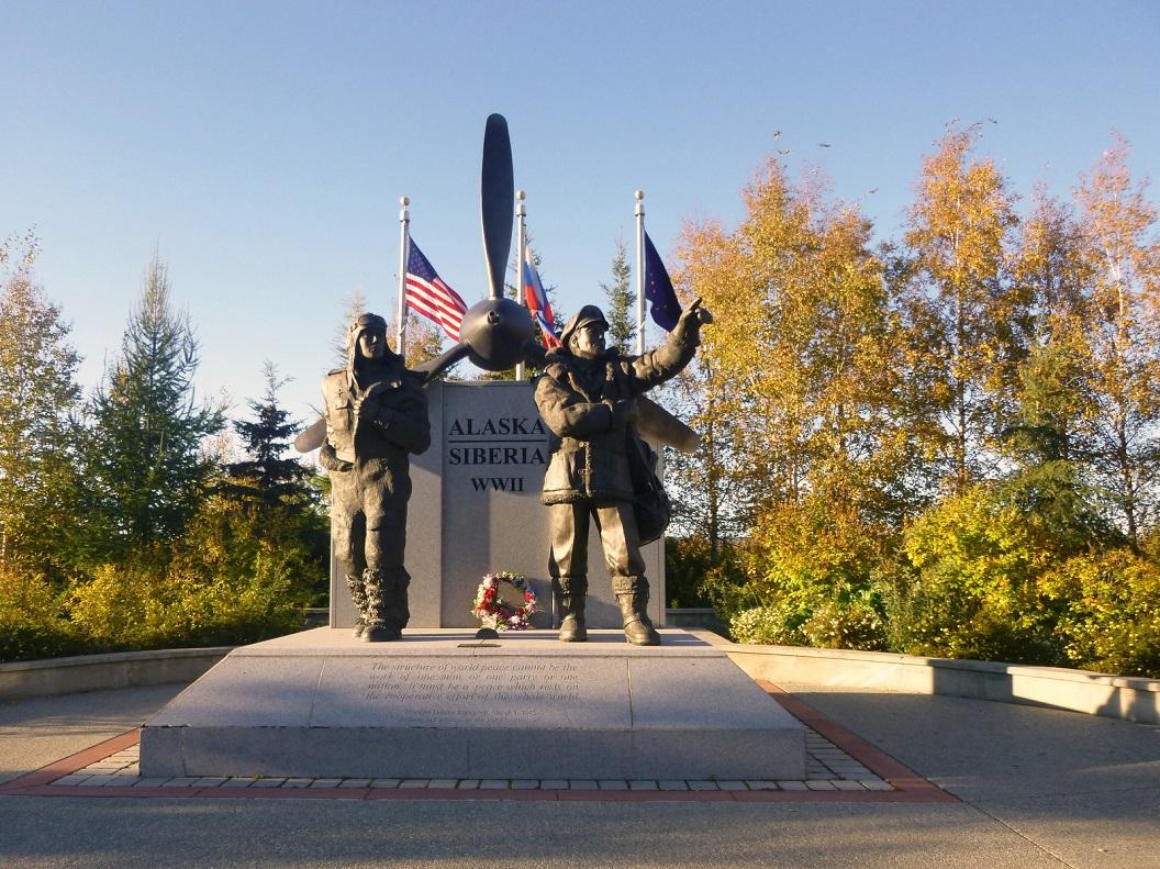 19 Fairbanks, monument WW 2 , Alaska - Siberia P1030195