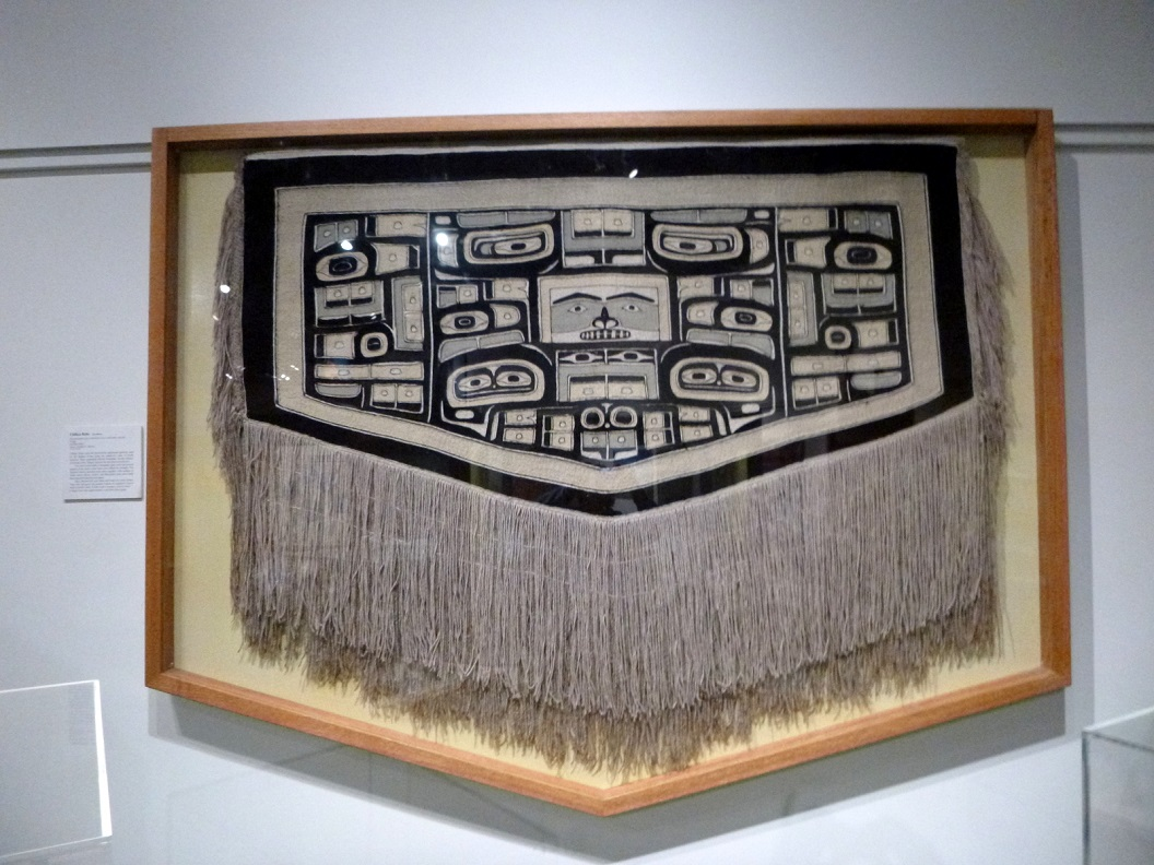 26 Chilkat Robe - Nar-kheen ( mid-late 1800) Gallery of Alaska - Museum of the North P1030024