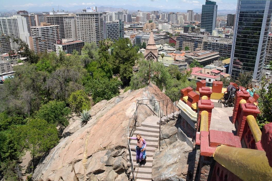 53 op de trappen aan de top van de Cerro Santa Lucia Welen