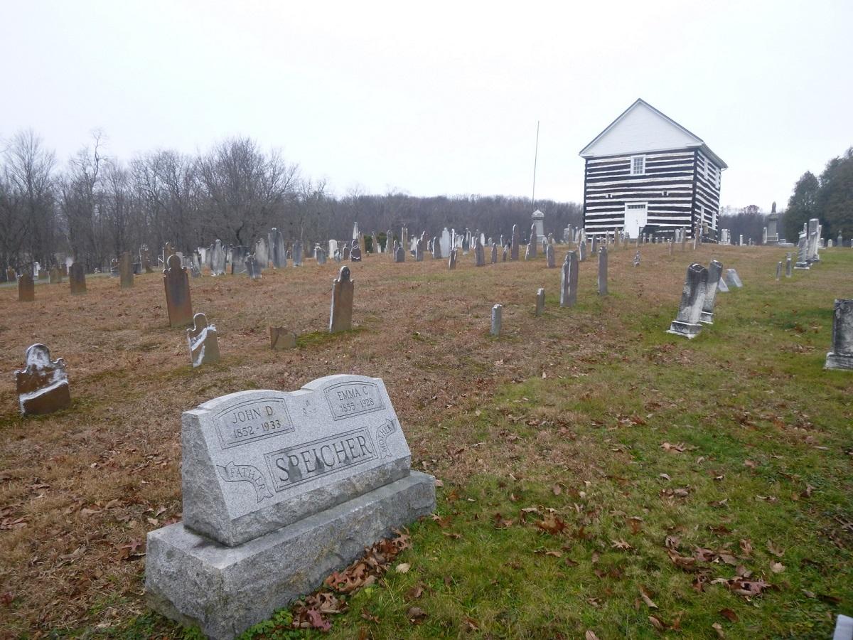 4 memorabele gedenkplaats met het nog steeds originele uit 1860 Oude Houten Kerkje