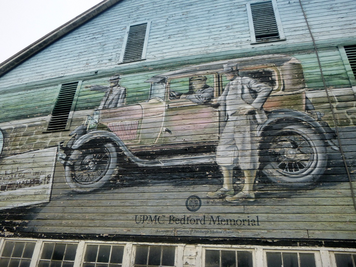 8 muurschildering, herinnering aan Bedfords Good Old Days in Amerika op de Bison Corral Farm