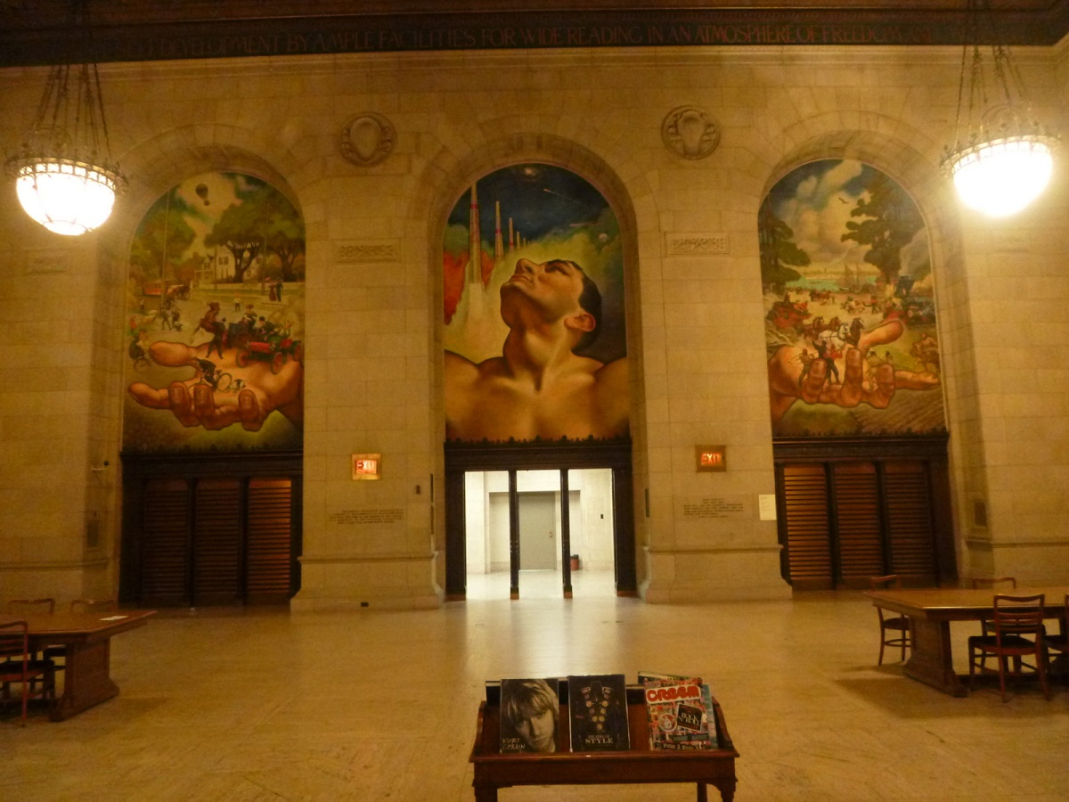 13 één van de leeszalen van Detroit Public Library