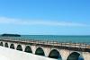 10 The Overseas Highway in The Florida Keys over de Atlantische Oceaan en de Golf van Mexico