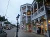 15 wandeling door Duval Street, het oude historische gedeelte is nu vooral shoppingcenter, historische gebouwen nu restaurants, kleding- en souvenirwinkels