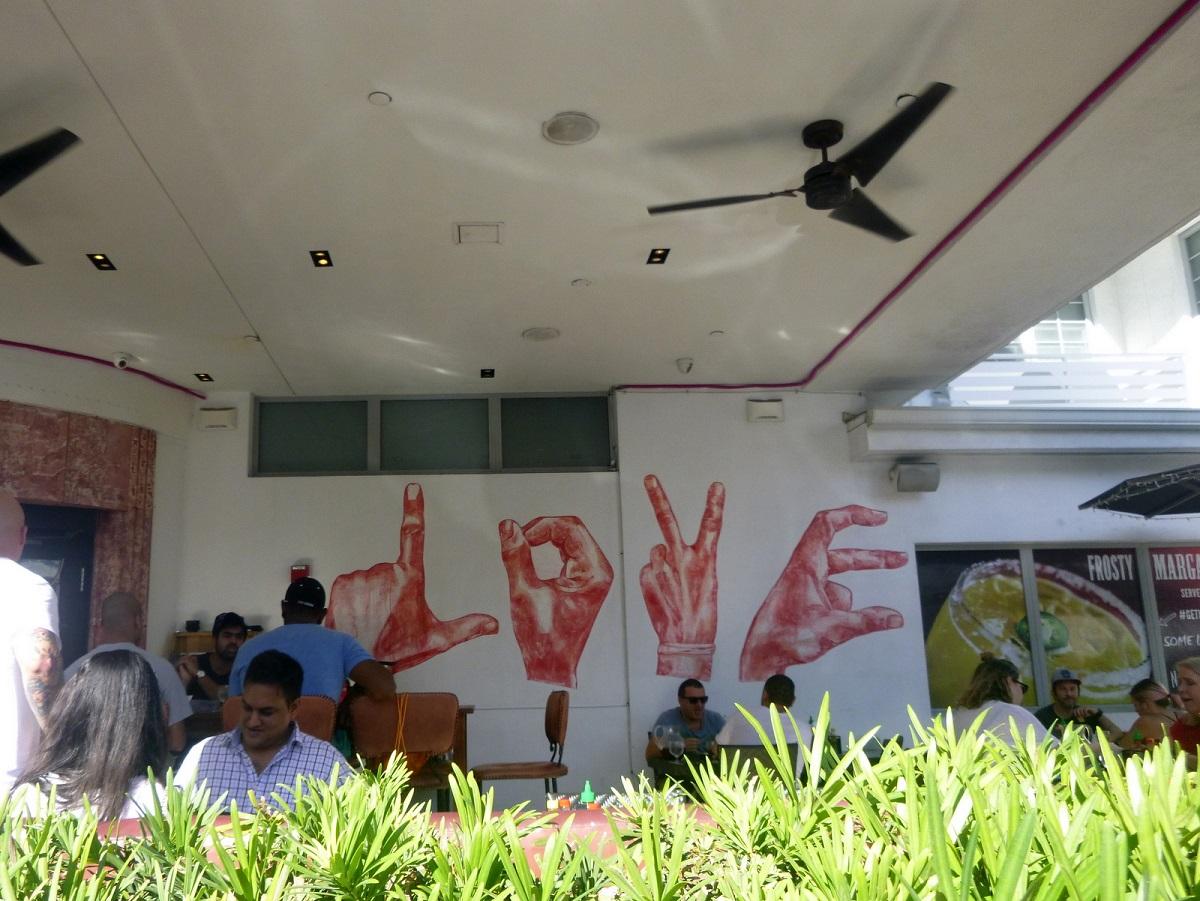 05 Love en gezelligheid langs de kade van Miami Beach