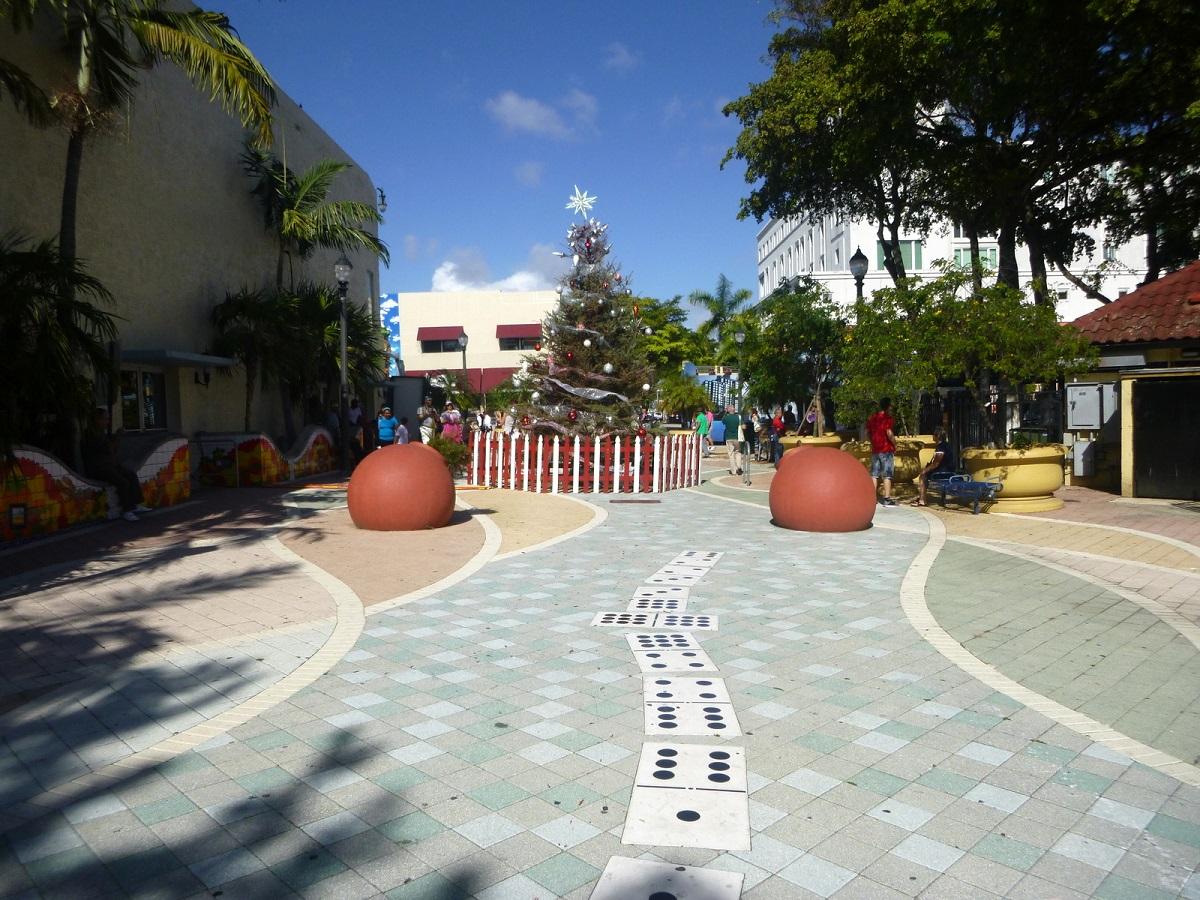 06 wandeling door Little Havana in Kerstsfeer, afwisselende leuke route via een Domino pad