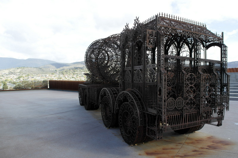 01-mona-is-the-museum-of-old-en-new-art-hobart