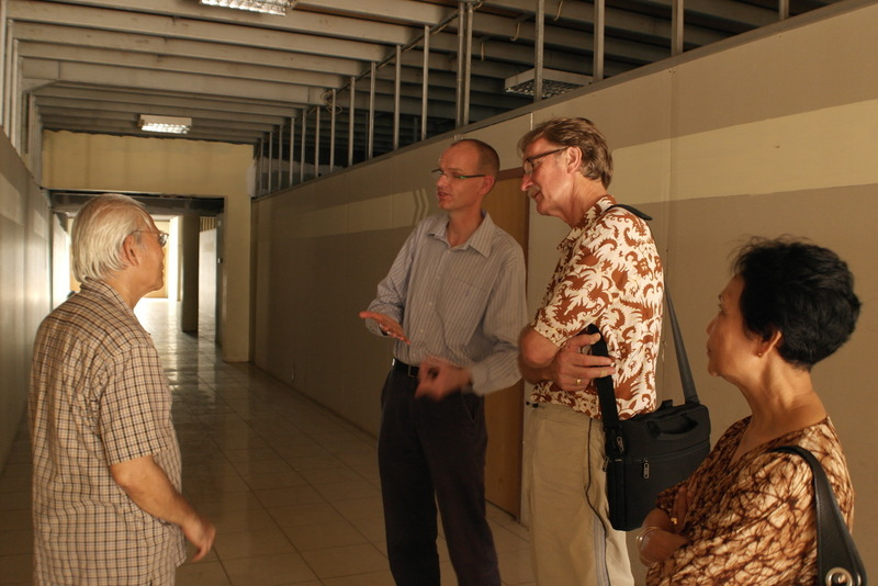 03-dick-mak-vertelt-over-zijn-werk-en-project-aan-setia-college-in-indonesia