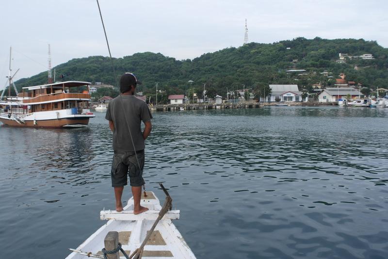 32-om-ca-17-30-uur-weer-terug-in-de-haven-van-labuan-bajo-flores