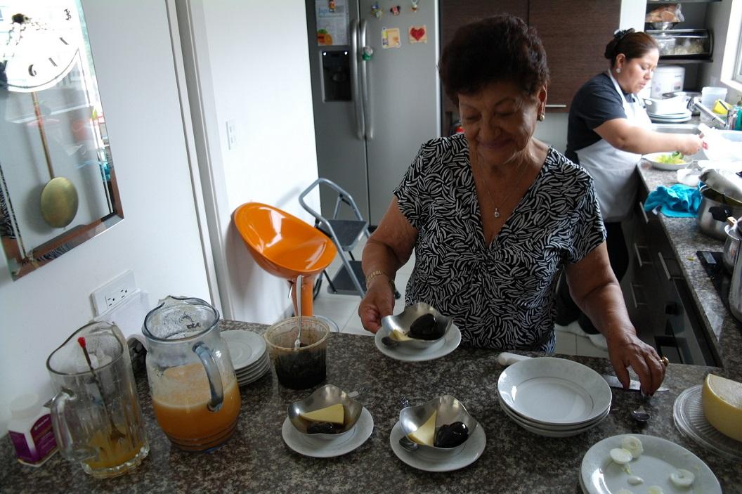 10 als toetje, een in zwarte suiker geconfeite vijg met kaas