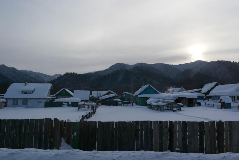 04-8-dec-2012-dorpjes-in-de-sneeuw