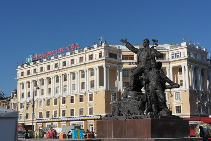 18-monument-october-revolutie-1917-1922
