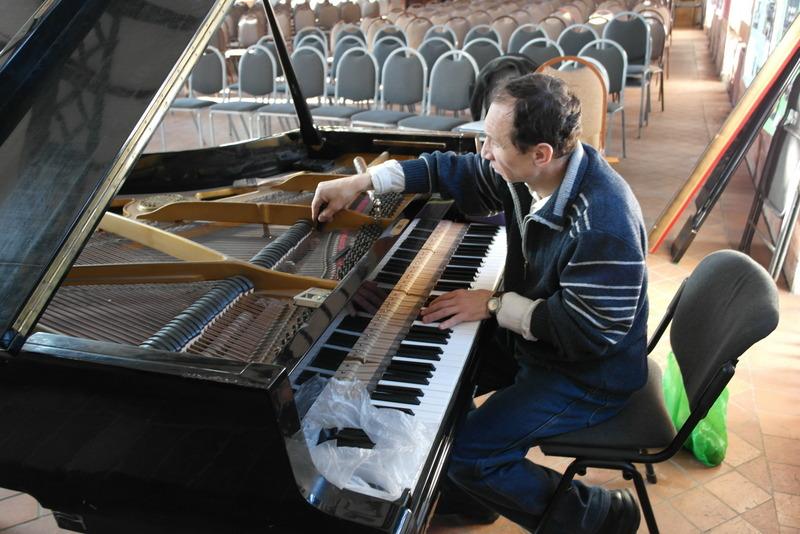 30-piano-stemmer-voorbereidingen-kerstconcerten