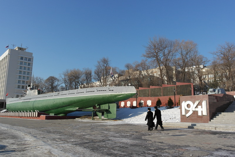 42-monument-wwii-met-s-56-submarine