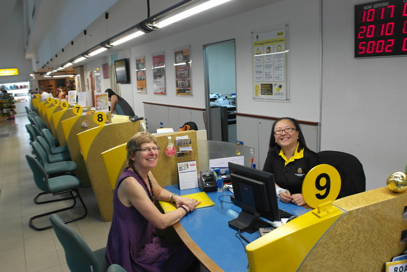 b01-laatste-formaliteiten-op-kantoor-automobile-association-of-singapore-we-kunnen-naar-de-haven