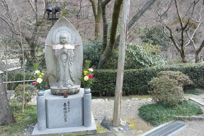 011-buddha-gedenk-en-meditatie-plaats