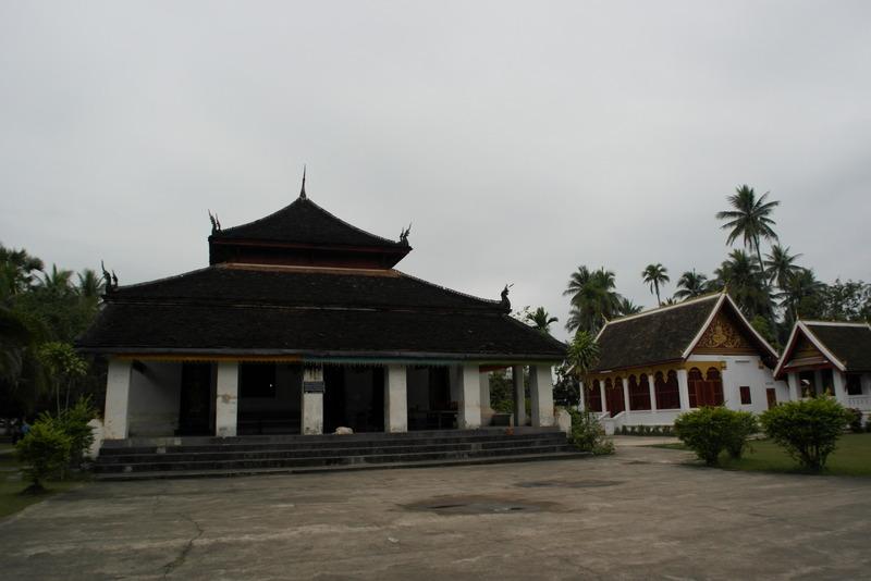 403-de-wat-wisnurarat-de-oudste-voortdurend-werkende-tempel-van-luang-prabang-gebouwd-in-1530-na-verwoesting-herbouwd-in-1898