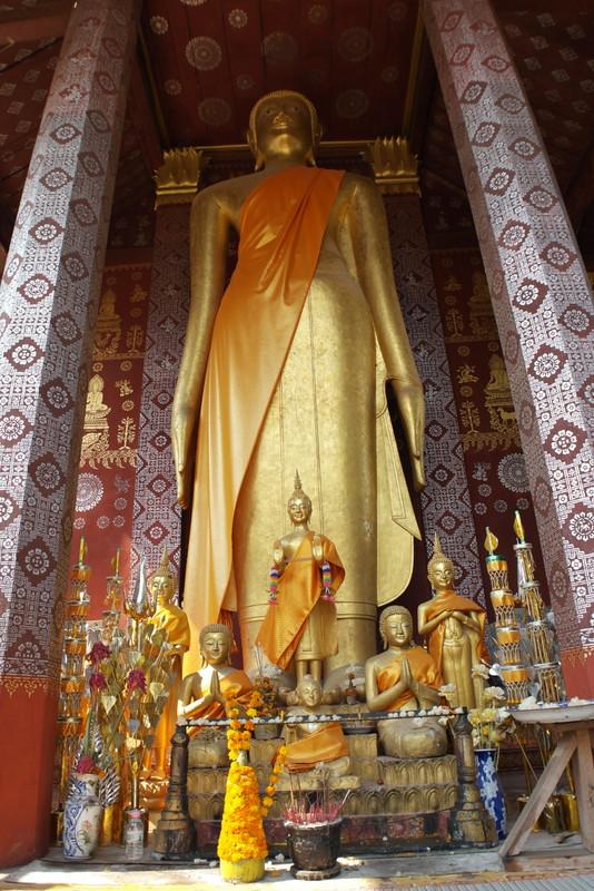 436-grote-staande-boeddha-in-wat-sop-sickharam-tempel