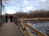 door het Minneha Park en over de brug van de Mississipi