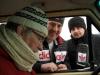 25-2012-11-30-hulp-onderweg-van-john-en-pascha
