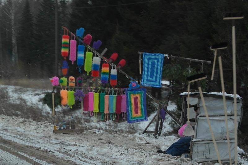 13-19-11-verkoop-onderweg-gehaakte-matjes-sloffen-