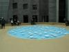06-clinamen-2013-celeste-boursier-mougenot-french-1961-porselain-bowls-in-water-van-20oc-als-klankschalen-door-waterpomp-in-beweging-gebracht