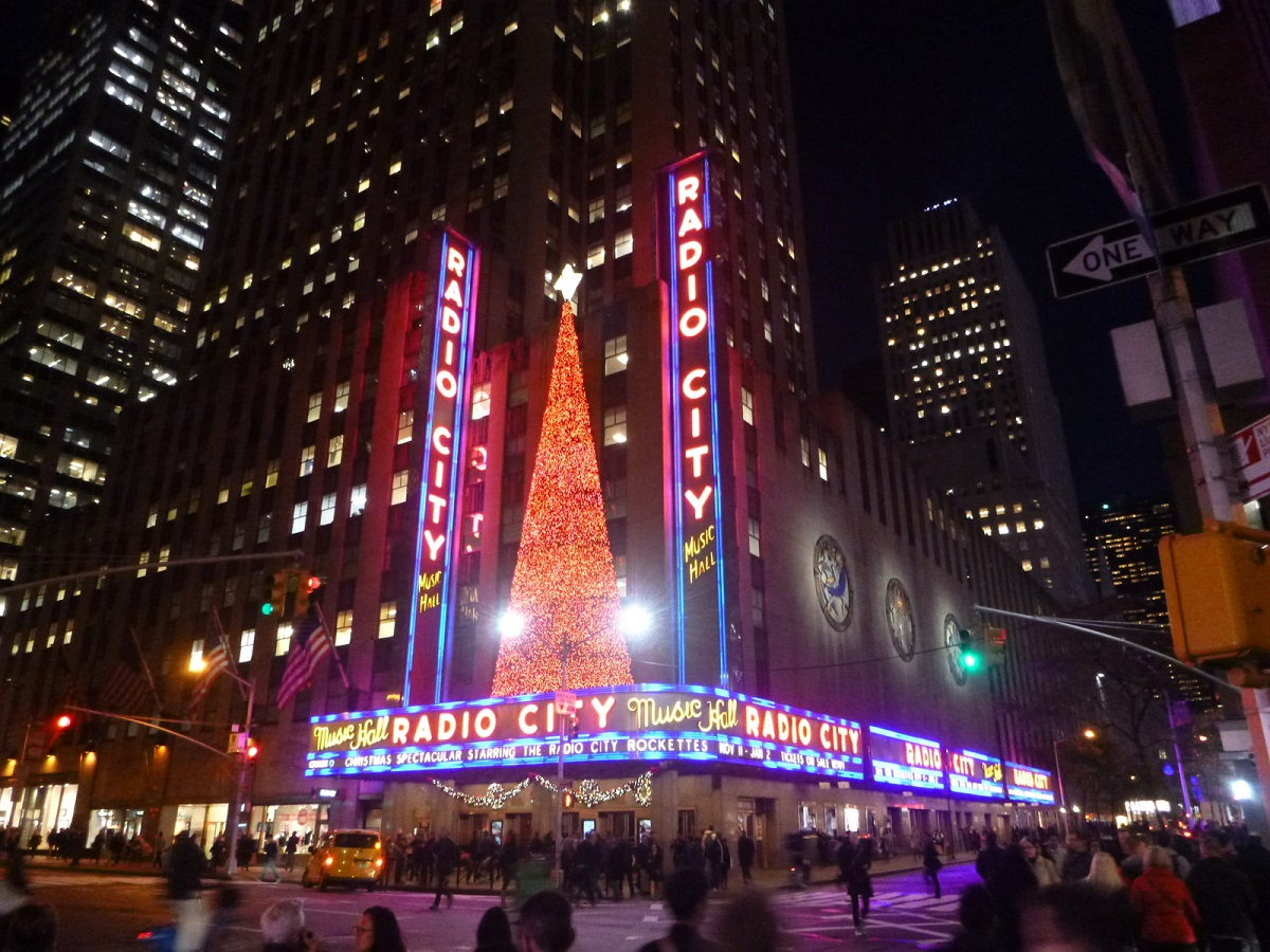 14 Radio City in kerstsfeer