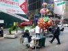10 Fancy Annimal Carnival door Hung Yi, en ook daklozen genieten mee op Broadway