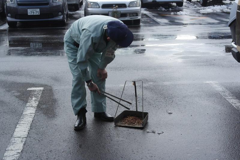 04-minitueus-schoonhouden-van-parkeerplaats