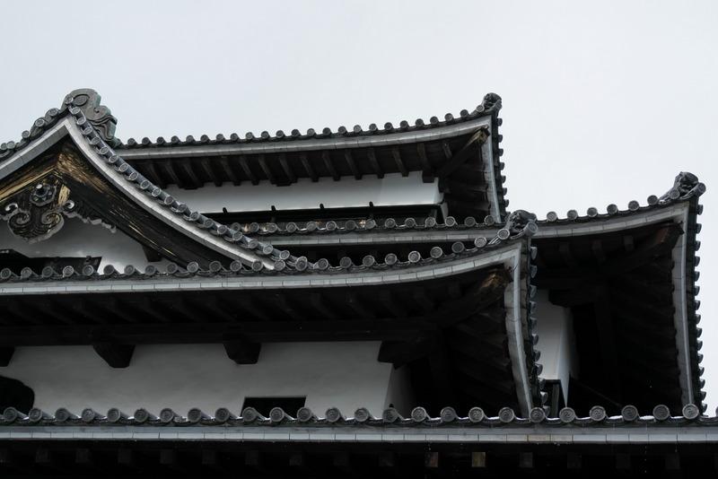 12-detail-dak-van-matsue-castle-tower