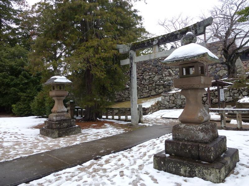 20-nino-mon-gate-bij-matsue-schrine