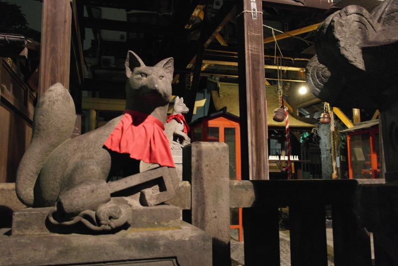 011-detail-van-asakusa-shrine-in-directe-omgeving