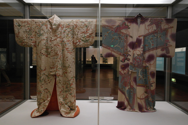 115-furisode-garment-with-long-hanging-sleeves-and-uchikake-outer-garment-edo-period-18th-19th-century