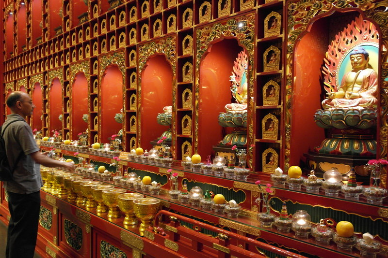 114-buddha-tooth-relic-temple-gebouwd-in-2008