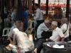 010-ouderen-spelen-chinees-schaak-op-de-markt-in-chinatown