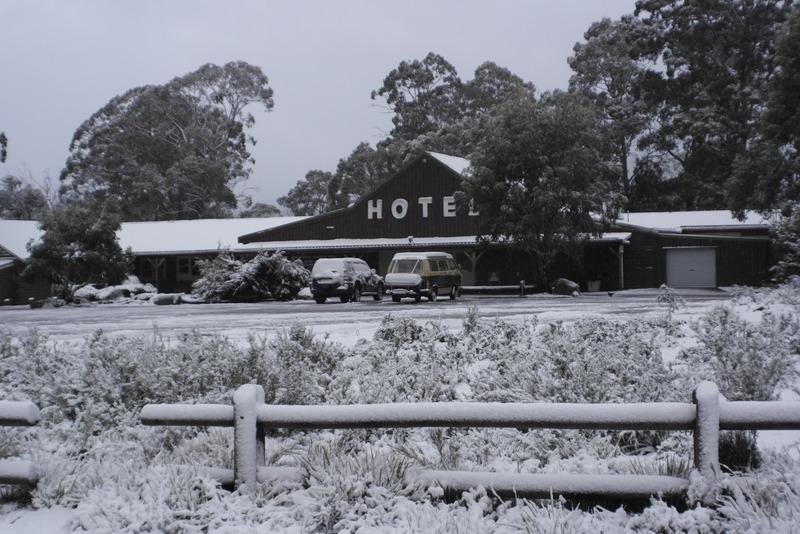 03-gekampeerd-op-parking-derwent-bridge-hotel